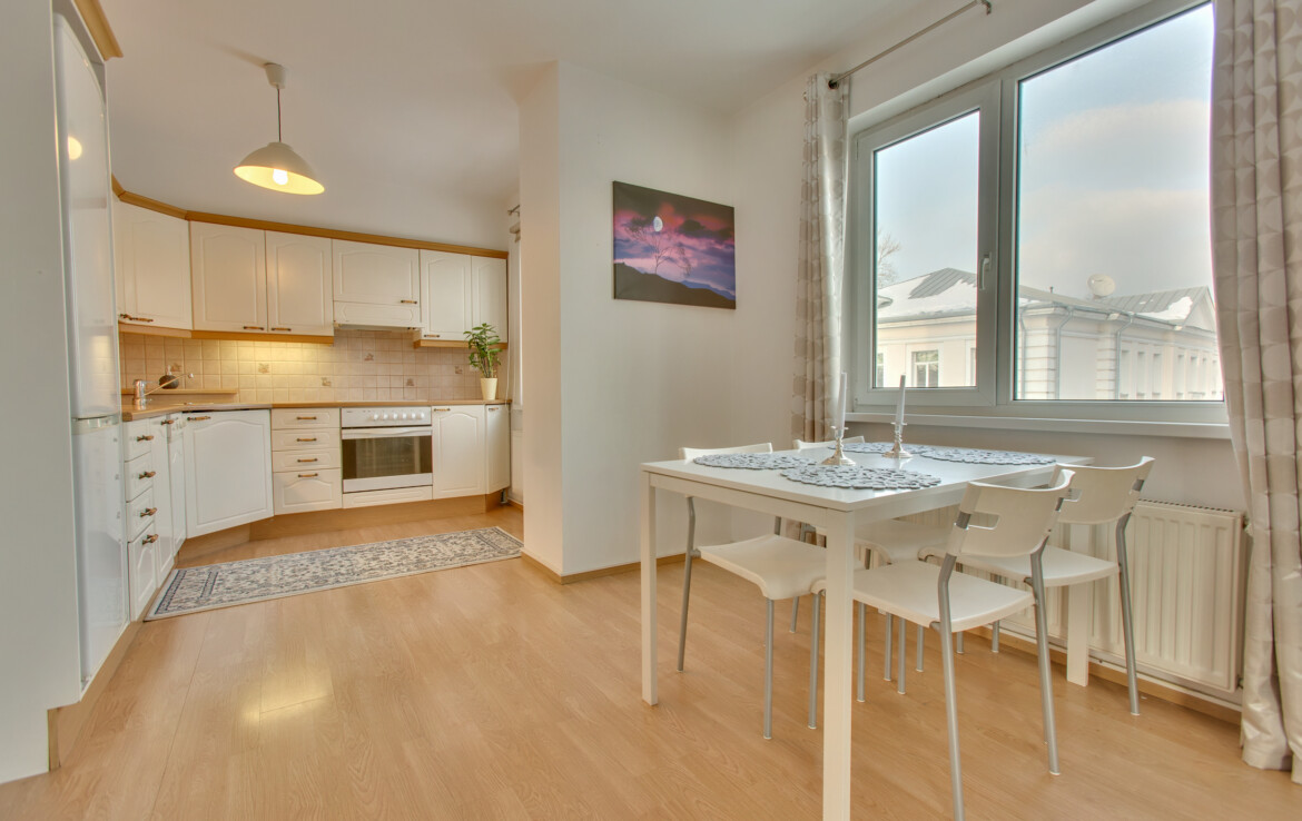 2-room apartment in the Kassisaba district, near Kristiine Center.