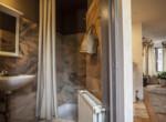 Spacious studio apartment in Antwerp / first floor