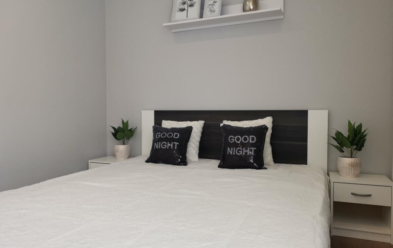 Een modern appartement met een slaapkamer in het hart van Mustamäe.