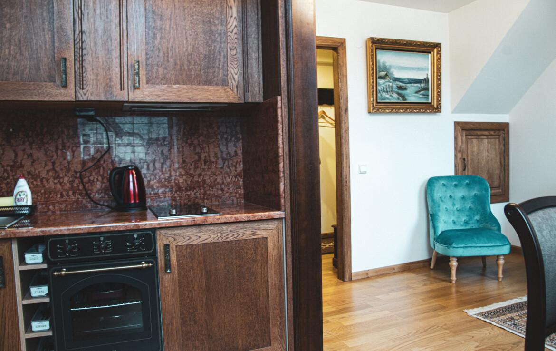 Antiik stiilis kahekorruseline korter Ilmarise rajoonis